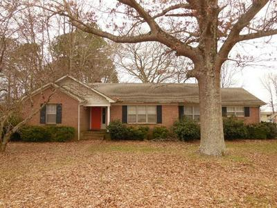 739 N JONES ST, Bolivar, TN 38008 - Photo 1