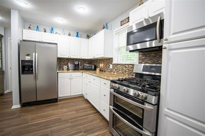 425 ANDERSON HOLLOW RD, Savannah, TN 38372 - Photo 2