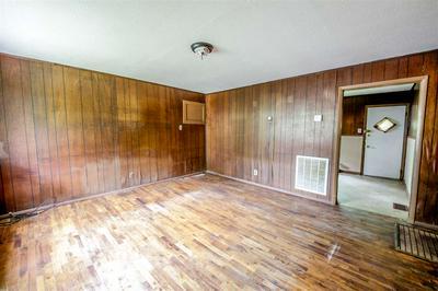676 BLAKEMORE ST, Brownsville, TN 38012 - Photo 2