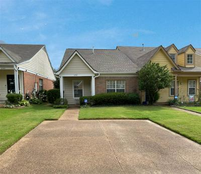 6741 WHITTEN PINE DR, Memphis, TN 38134 - Photo 2