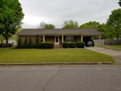 238 CHERRY ST, Bolivar, TN 38008 - Photo 1
