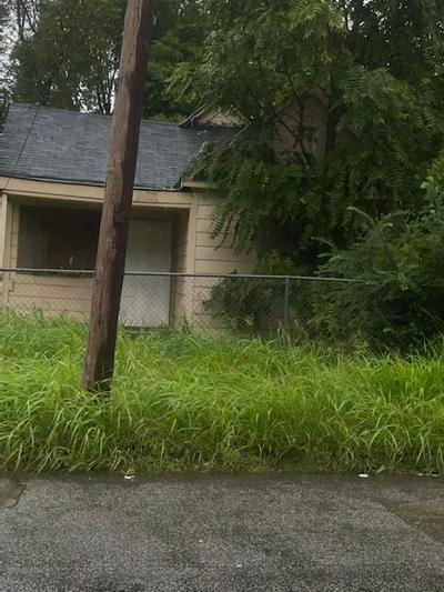 380 E TRIGG AVE, Memphis, TN 38106 - Photo 1