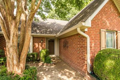 8794 BREDBURY CV E, Memphis, TN 38016 - Photo 2
