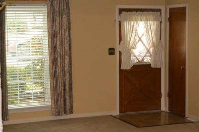 1137 GREENVIEW RD, Collierville, TN 38017 - Photo 2