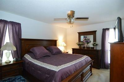 2700 HARLINGEN DR, Memphis, TN 38133 - Photo 2