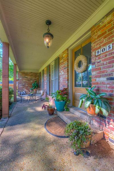 905 PARK VALLEY RD, Memphis, TN 38119 - Photo 1