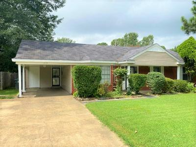 1373 HEATHCLIFF DR, Memphis, TN 38134 - Photo 2