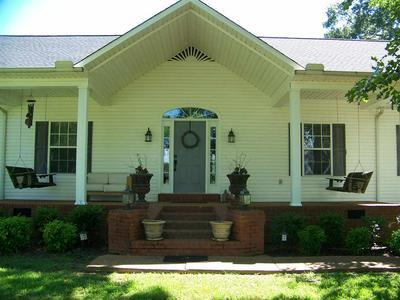 42 MATTHEWS LN, Adamsville, TN 38310 - Photo 2