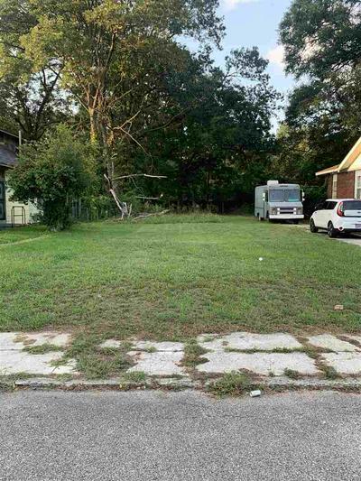1584 FOSTER AVE, Memphis, TN 38106 - Photo 1