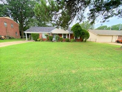 1373 HEATHCLIFF DR, Memphis, TN 38134 - Photo 1