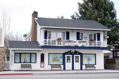 323 MAIN ST, Bridgeport, CA 93517 - Photo 1