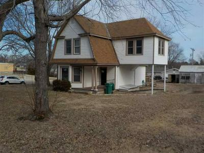 710 GROVE ST, WAKEFIELD, KS 67487 - Photo 2