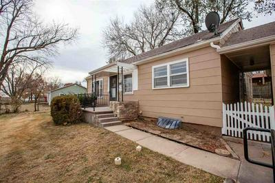 226 RIDGE DR, Manhattan, KS 66502 - Photo 2