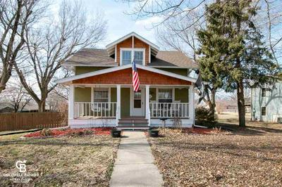 901 JUNIPER ST, Wakefield, KS 67487 - Photo 2