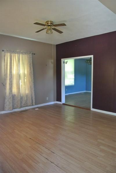 529 N BROADWAY AVE, Chapman, KS 67431 - Photo 2