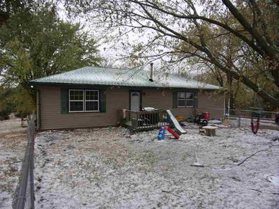 20532 SKYLINE RD, Eskridge, KS 66423 - Photo 1