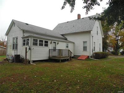 215 W FERDON ST, LITCHFIELD, IL 62056 - Photo 2