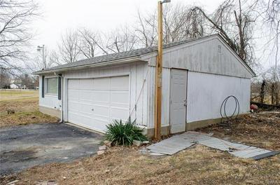 109 EILER RD, Belleville, IL 62223 - Photo 2