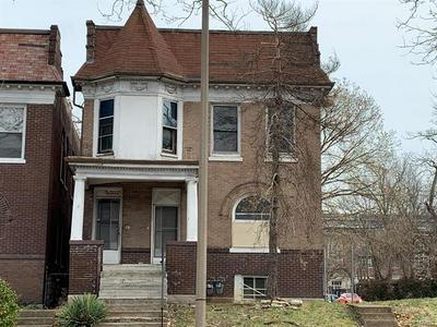 5587 PAGE BLVD, St Louis, MO 63112 - Photo 1