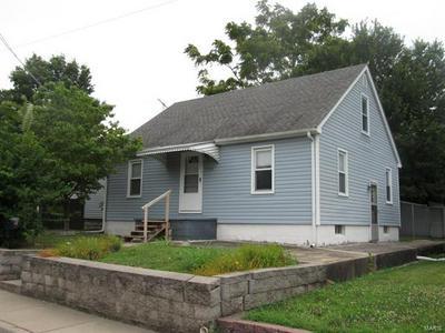 104 W 3RD ST, Hartford, IL 62048 - Photo 1