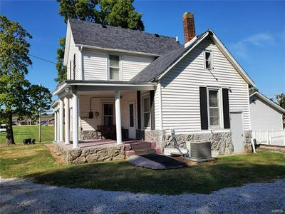214 N MARKET ST, Sparta, IL 62286 - Photo 2