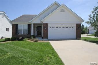 288 KEYSTONE CT, O'Fallon, IL 62269 - Photo 2
