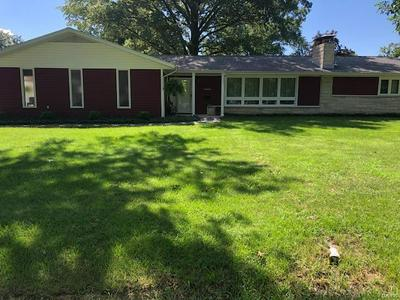 1610 KANE ST, Carlyle, IL 62231 - Photo 1