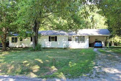 301 HUNT RD, Carbondale, IL 62902 - Photo 2