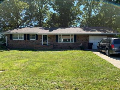 690 ELM ST, Livingston, IL 62058 - Photo 1