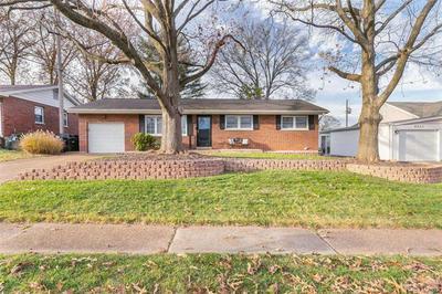 9239 SILVERCREST DR, St Louis, MO 63126 - Photo 2