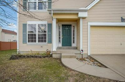 114 BAYBERRY DR, Fairview Heights, IL 62208 - Photo 2