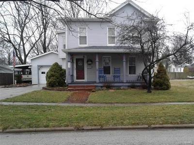 404 W PEARL ST, Jerseyville, IL 62052 - Photo 1