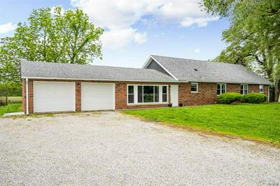 10340 N 6TH AVE, Hillsboro, IL 62049 - Photo 2
