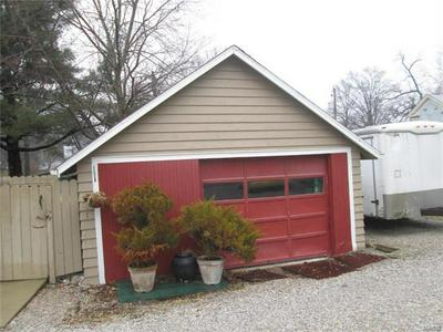 712 W SAINT LOUIS ST, LEBANON, IL 62254 - Photo 2