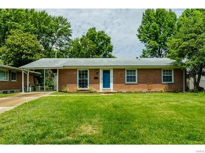 1375 SPRING VALLEY DR, Florissant, MO 63033 - Photo 1