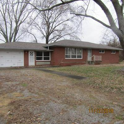 1405 N DU QUOIN ST, Benton, IL 62812 - Photo 1