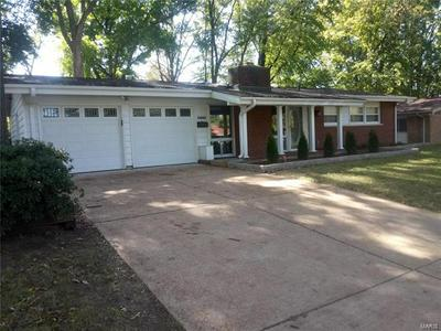 2440 ALLEN DR, Florissant, MO 63033 - Photo 2