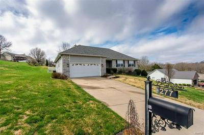 277 BRIDGEWATER HILL DR, VILLA RIDGE, MO 63089 - Photo 2
