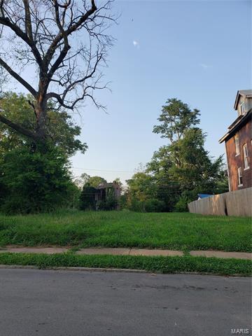 5905 LOTUS AVE, St Louis, MO 63112 - Photo 1