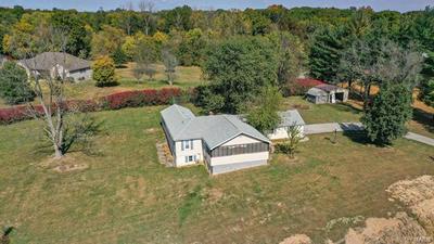 1513 SEILER RD, Alton, IL 62002 - Photo 2
