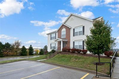 701 TOWER GROVE DR APT B, Fairview Heights, IL 62208 - Photo 2