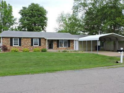 903 S SUNSET DR, Pinckneyville, IL 62274 - Photo 1