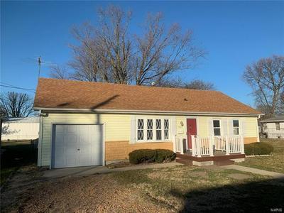 1007 W EXCHANGE ST, Jerseyville, IL 62052 - Photo 1