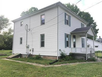 513 N HENRIETTA ST, Okawville, IL 62271 - Photo 2