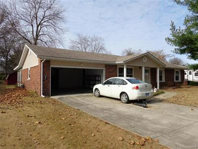 9 HANSON DR, Granite City, IL 62040 - Photo 2