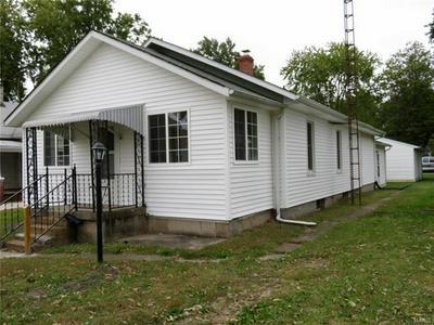 808 N WALNUT ST, LITCHFIELD, IL 62056 - Photo 2