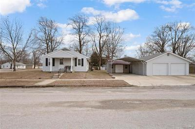 390 FRANKLIN ST, Carlyle, IL 62231 - Photo 1