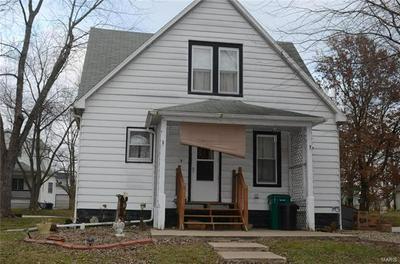 239 BOWLES ST, Hillsboro, IL 62049 - Photo 2