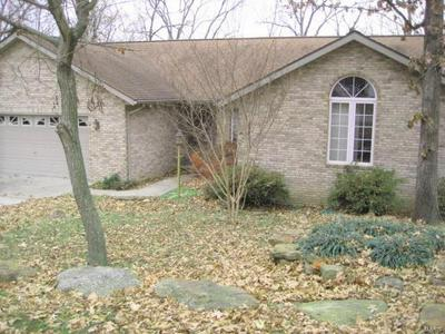1000 LAKEVIEW DR, CREAL SPRINGS, IL 62922 - Photo 1
