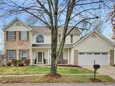 16917 CRYSTAL SPRINGS DR, Chesterfield, MO 63005 - Photo 1
